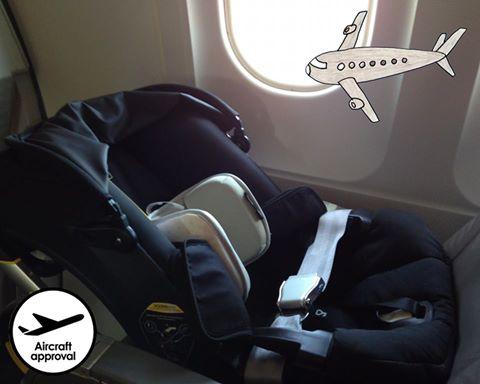 Babyschale mit Flugzulassung